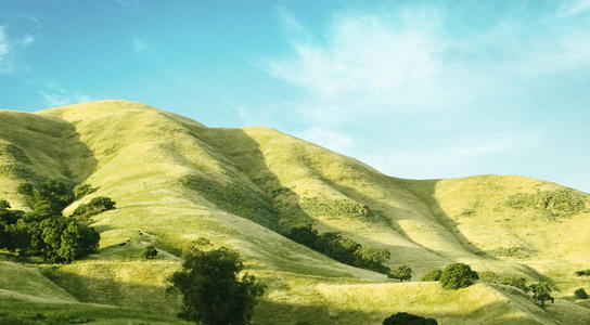 Rolling green hills in the country of San Jose