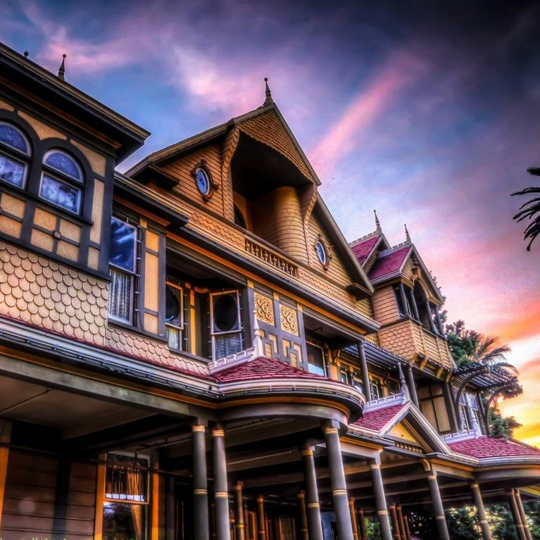 winchester mystery house at sunset