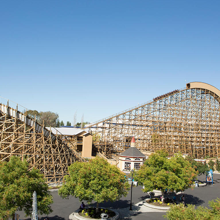 Gold Striker roller coaster at California's Great America