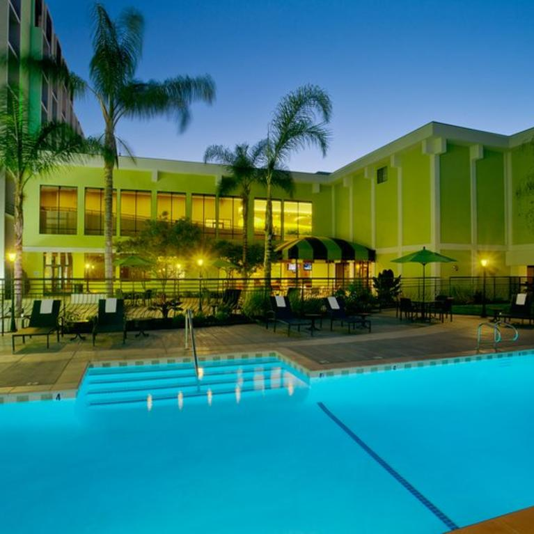 Holiday Inn pool