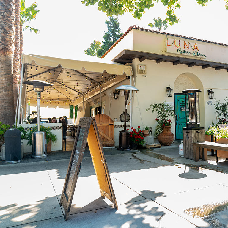 Exterior of LUNA Kitchen on The Alameda