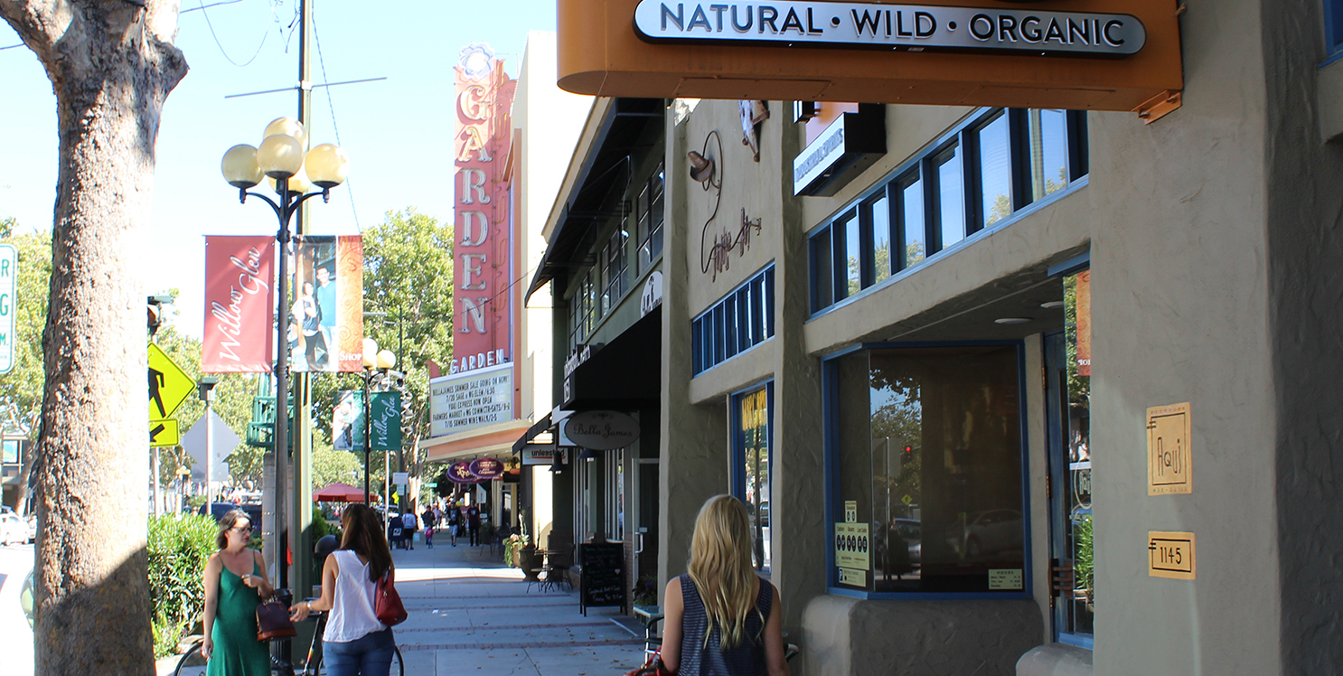 people walking on the downtown strip of Willow Glen